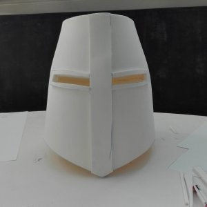 Réalisation d'un casque de chevalier en mousse EVA 125kg en 5 mm d'épaisseur.